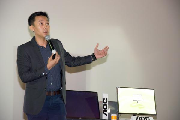 AOC Sales Manager Jack Salamia introducing the AOC 61-Series desktop monitors.