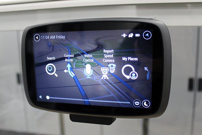 How does the TomTom GO 600 GPS unit match up against Waze