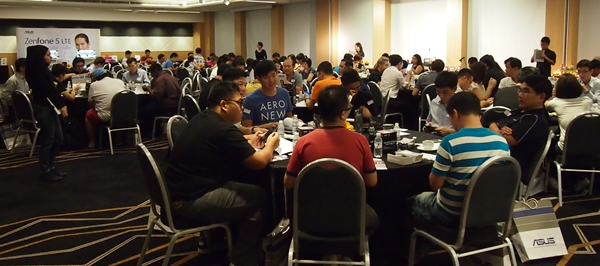 ASUS organized an exclusive hands-on session of the ZenFone 5 LTE for 85 HardwareZone readers.