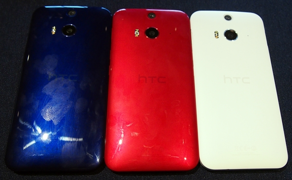 Notice how unsightly fingerprints and smudges look on the blue and red models of the HTC Butterfly 2.