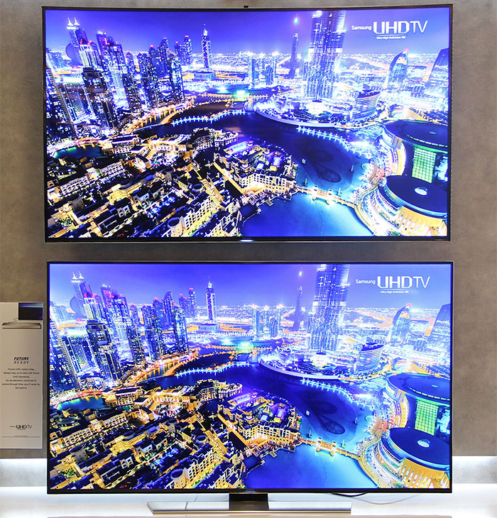 samsung hu9000 vs hu8500 high end curved and flatscreen uhd tvs face off. Black Bedroom Furniture Sets. Home Design Ideas