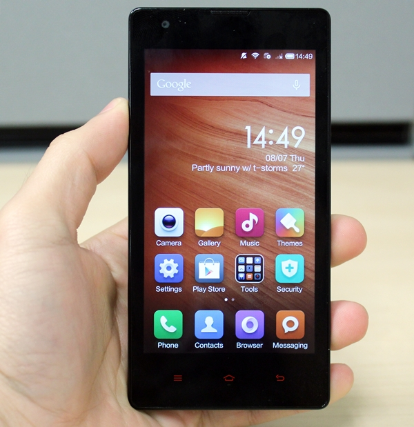 You can't tell the Xiaomi Redmi 1S apart from the original Redmi from just looking at them.