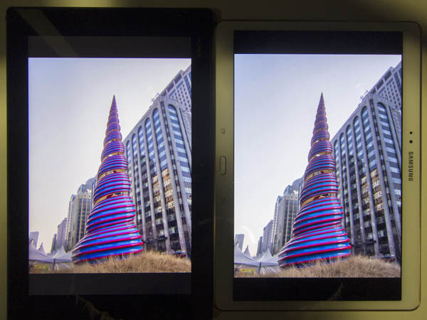 Both Z2 Tablet (left) and Tab S (right) render colors nicely in a different way.