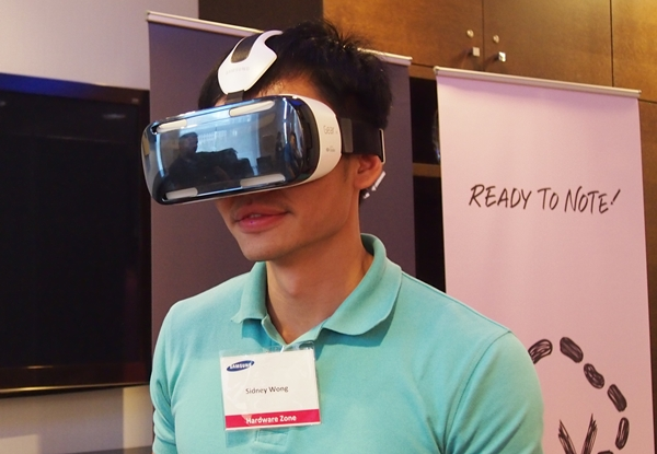 Yes, that's me with the Samsung Gear VR.