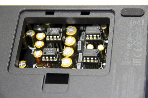 No less than 4 Op-Amps are used, all easily replaceable via a hatch at the bottom of the unit.