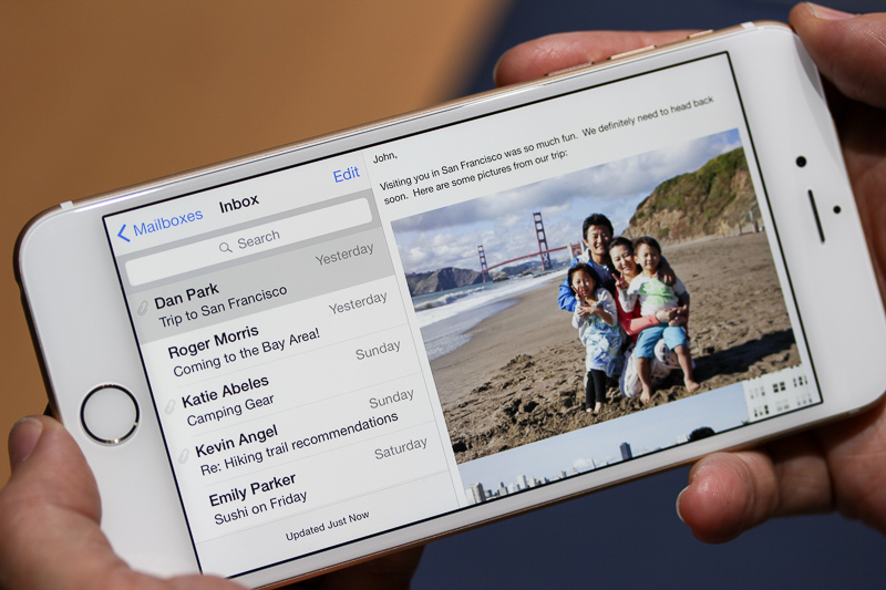Apps like Mail, Calendar and Stocks have been redesigned to make use of the new landscape mode.
