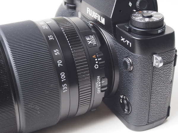"Set the lens to ""A"" to allow the X-T1 to control aperture. Otherwise, the XF 18-135 has clicked aperture stops for easy adjustments from the lens itself."