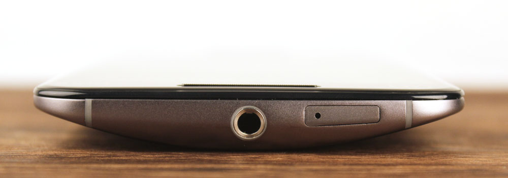 The Moto X's curvy form factor makes it a joy to hold