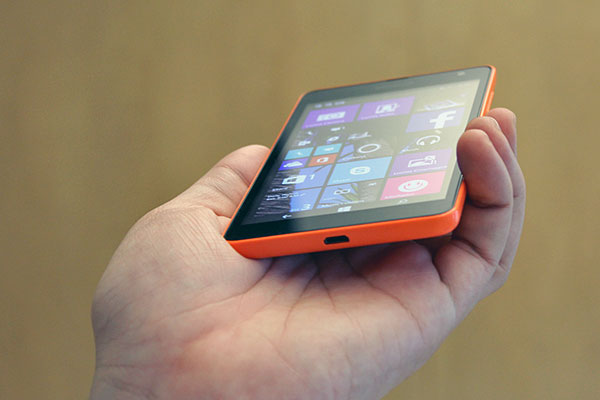 The Lumia 535 has a 5-inch IPS display with a qHD resolution.