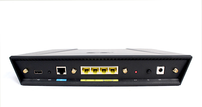 The ASUS RT-AC87U has all the ports you would expect from a high-end router, including a Gigabit WAN and four Gigabit LAN ports, USB 2.0 port, WPS and reset buttons.