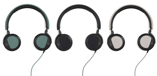 Three colorway options for the BeePlay H2: Feldspar Green,Carbon Blue, and Silver Cloud.