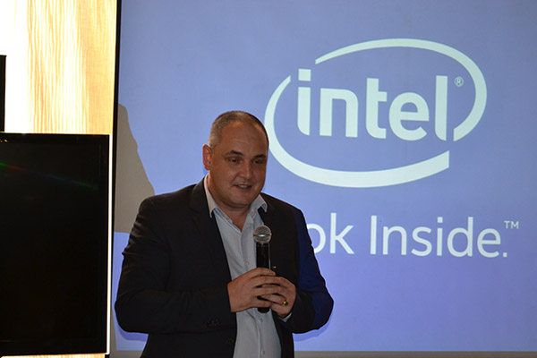 Intel Philippines Country Manager, Calum Chisolm, discussed Intel's plans to further its mobile processor lineup.
