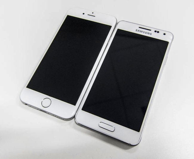 The Galaxy Alpha looks almost similar to the iPhone 6. Almost.