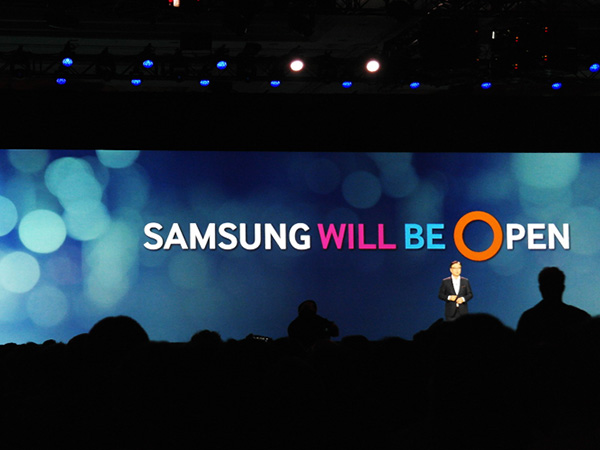 President and CEO of Samsung Electronics, BK Yoon, promises that all Samsung IoT components and devices will be open to developers and the industry. (Image source: Samsung)
