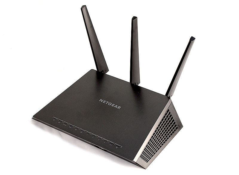 The Netgear Nighthawk R7000 router.