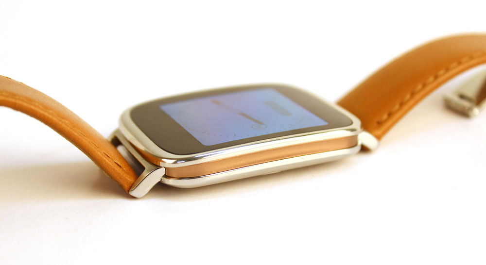 The ZenWatch uses a sandwich construction with a rose gold middle surrounded by two layers of stainless steel.