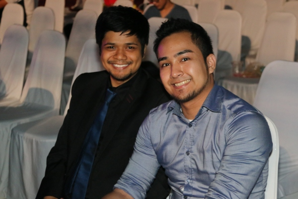 From L-R: Secretary General of e-Sports Malaysia, Rinie Ramli with MC Faisal Ariffin during the earlier hours of Day 1.