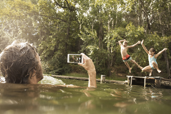 With IP65/8 rated waterproofing, you can really take the Xperia M4 Aqua everywhere.