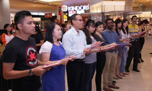 The 10 finalists were given a list of tasks to perform inside the Guardian store in Sunway Pyramid.
