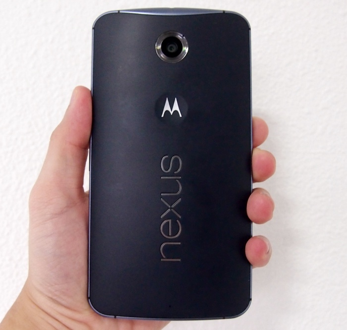 The back of the Motorola Nexus 6 resembles that of the Motorola Moto X (2014).