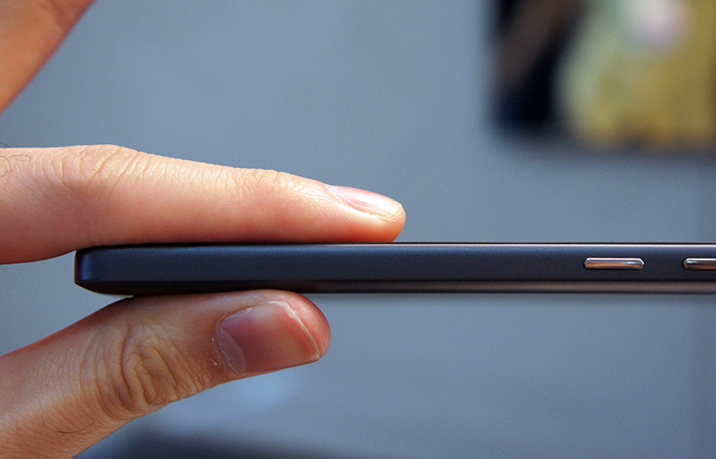 The Mi 4i is remarkably thin, a full 1.1mm thinner than the Mi 4 to be exact.