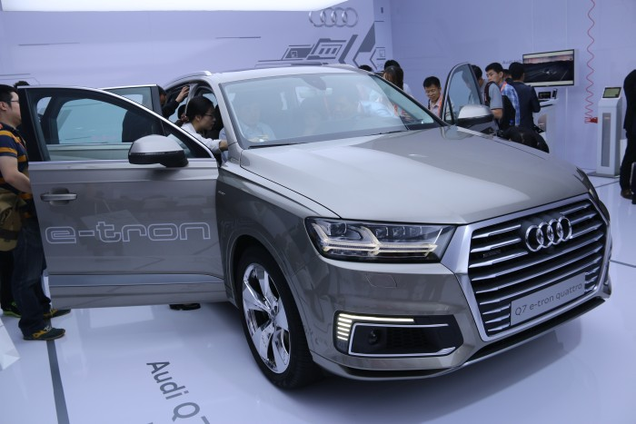The Audi Q7 e-tron Quattro.
