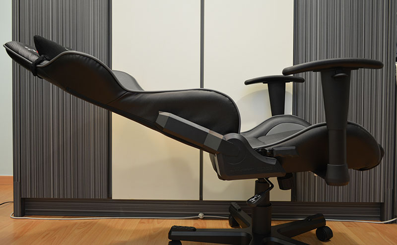 At 170° of recline, the DXRacer can lay almost completely flat.