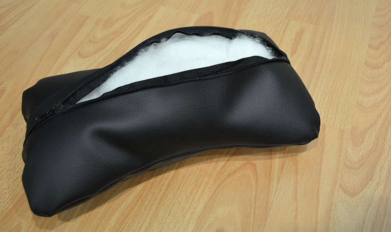 The Throne's head pillow is packed with soft-stretch cotton, providing a decent level of comfort and support.