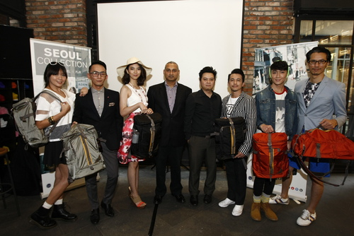 (Fourth from left) Srithar Balakrishnan, General Manager and Ivan Lim, Sales Manager of Targus (Rest of Asia) during the launch of the Targus Seoul Collection.