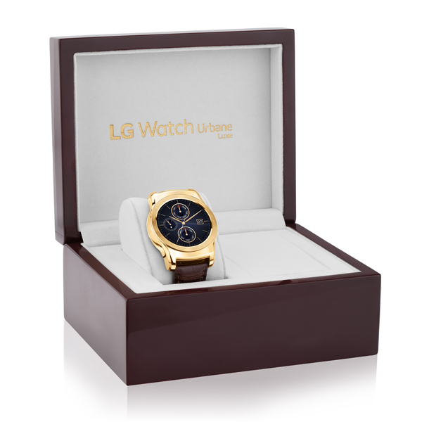 The LG Watch Urbane Luxe comes in its very own high-gloss box that complements the smartwatch.