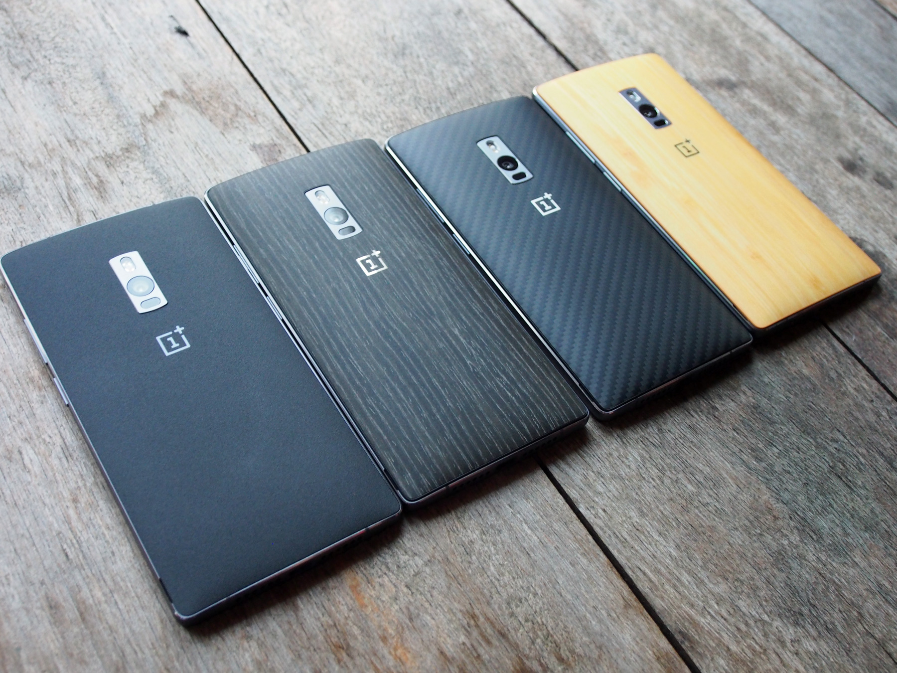 Four of the StyleSwap colors – default Sandstone Black, Black Apricot, Kevlar, and Bamboo. Rosewood is not pictured here.