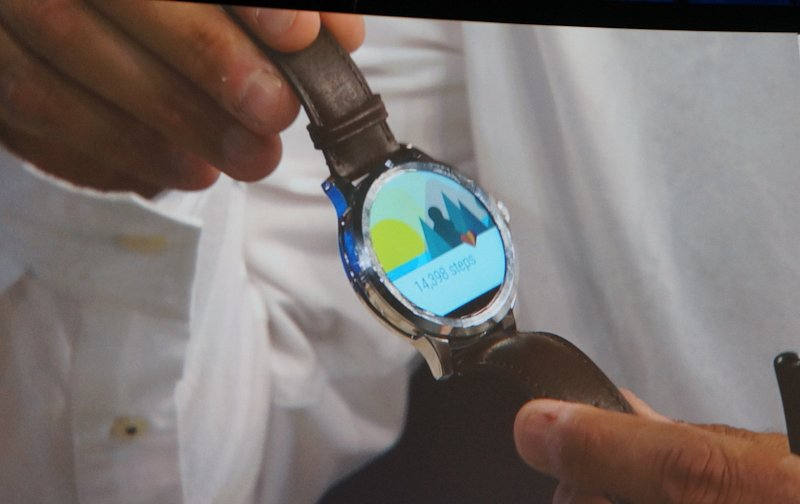 Fossil's upcoming smart watch will use Android Wear.