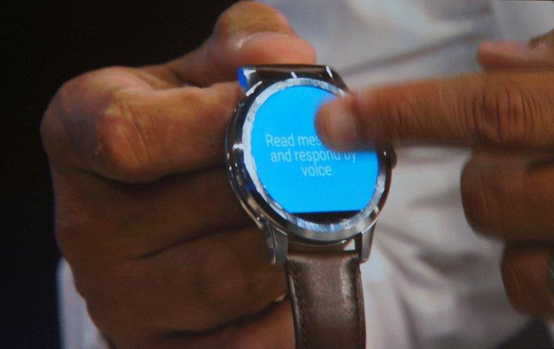 Here's another quick glance of the smart watch in use. No exact details were shared when it will be out.