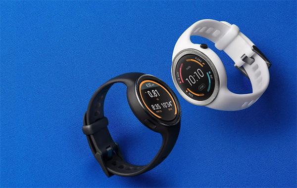 The Moto 360 Sport comes with a built-in GPS to track your workout. (Image Source: Motorola)