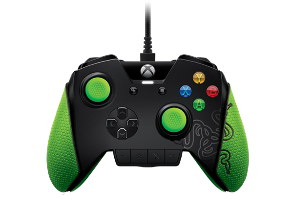 The Razer Wildcat controller for the Xbox One comes with programmable shoulder and trigger buttons and four Quick Control Panel buttons for faster access to various settings. (Image Source: Razer)