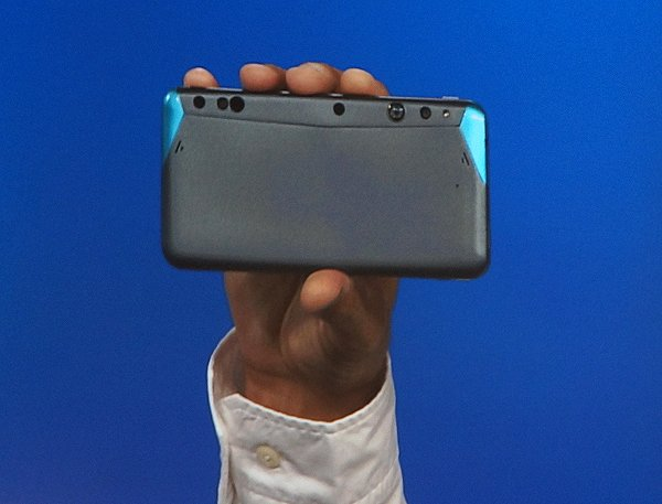 The first phone ever to have Intel RealSense 3D technology will also be a development kit that combines capabilities from Google's Project Tango to advance depth sensing capabilities on the mobile platform.