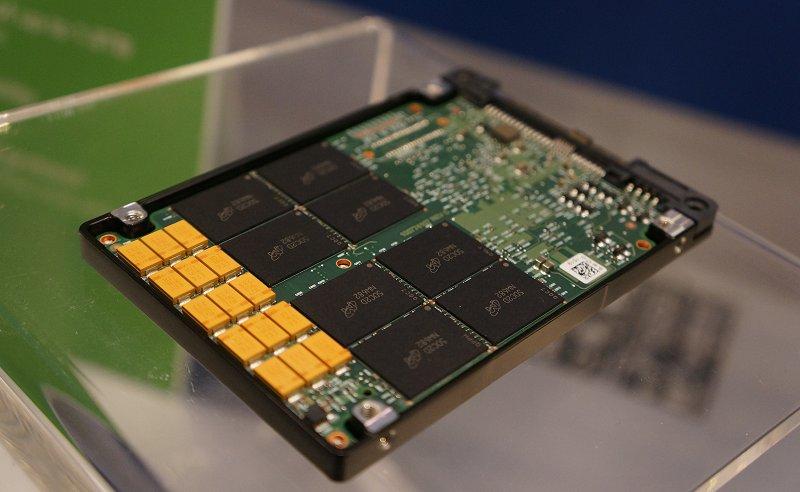 An unshielded Segate Nytro XF1440 2.5-inch form factor enterprise SSD.