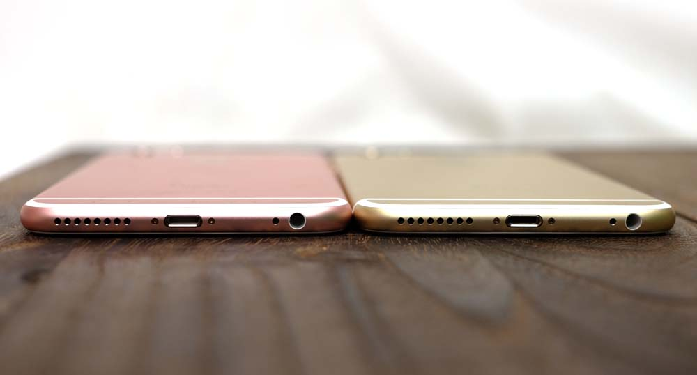 The iPhone 6s Plus (left) next to the iPhone 6 Plus