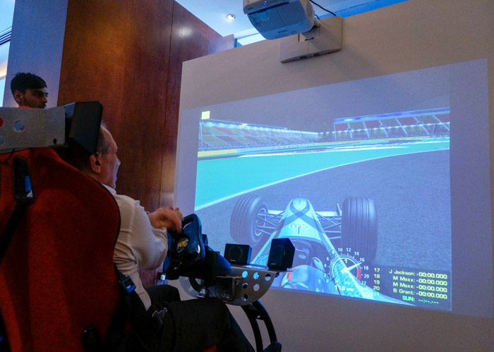 Combined with the motion simulator, the Epson short-throw projector gave visitors a life-like experience of racing in an F1 car.