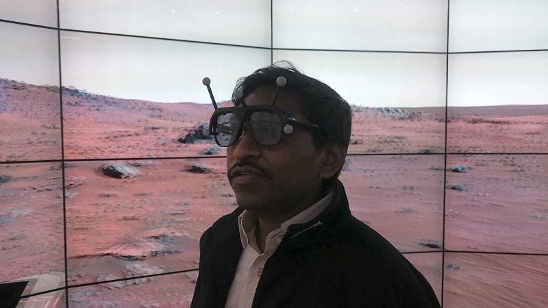 For a few moments, I was exploring the red planet in the eyes of the Mars Rover. And if you are wondering what those funky glasses were, that's the control set with head tracking capability.