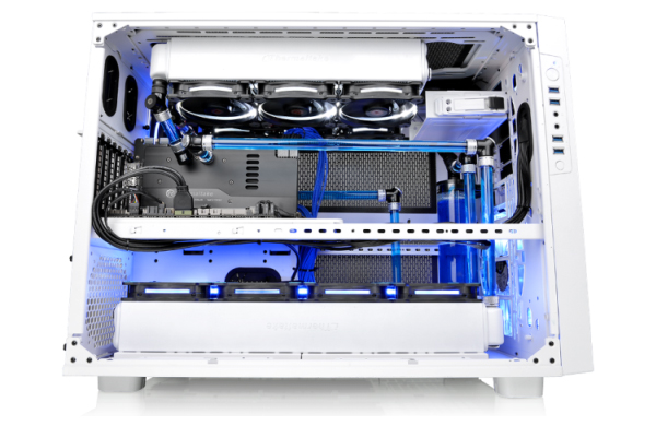 Thermaltake RL and R series radiators are intended for custom water cooling setups. Shown here are the radiators installed in the Thermaltake Core X9 Snow Edition. (Image Source: Thermaltake)