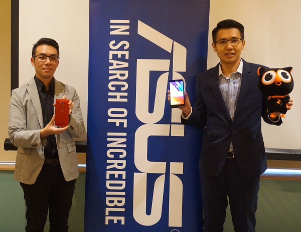 From L-R: Li Huai Pin, Product Manager, Smartphone Division, ASUS Malaysia and Jimmy Lin, Country Manager, ASUS Malaysia, holding up the 5.5-inch ZenFone 2 Laser.