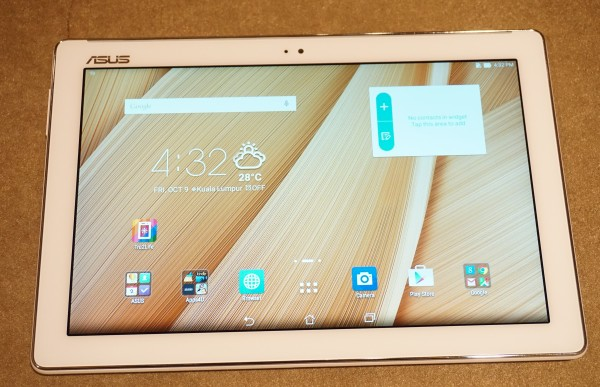 We also got a chance to play around with the ASUS ZenPad 10 as well.