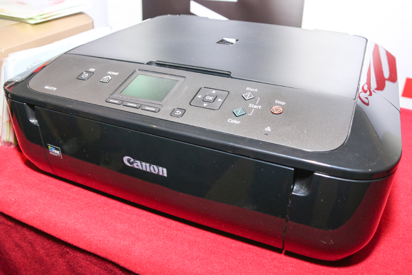 The middle child of the PIXMA Photo All-In-One printer series, the MG5770.