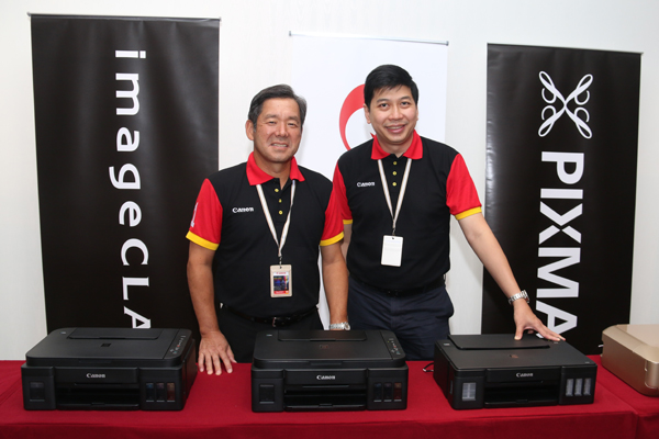 From L-R: Wataru Nishioka, President and Chief Executive Officer of Canon Marketing (Malaysia) Sdn. Bhd. and Jeffrey Kung, Assistant Director, Consumer System Products Division (CSP), Canon Marketing (Malaysia) Sdn. Bhd. with the new PIXMA G series printers.