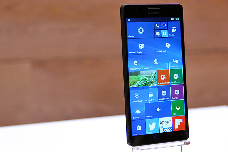 Zooming in on Microsoft's Lumia 950 and 950 XL
