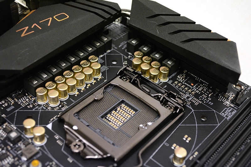 The board is equipped with a 12-phase digital power design.
