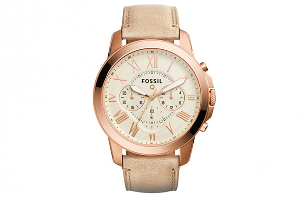 The Fossil Q Grant has an analog watch face that cannot be customized. (Image Source: Digital Trends)