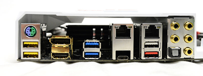 The five USB 3.0 ports are color-coded for different functions. The yellow ports double as ports for hooking up a USB DAC, the white port is the Q-Flash Plus port, and the blue ones are regular USB 3.0 ports.