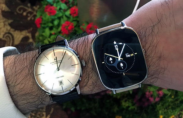 """Here is the larger 1.63-inch """"Sparrow"""" ZenWatch 2."""